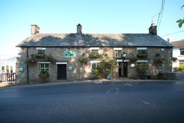Maenllwyd Inn, Caerphilly - Chef & Brewer