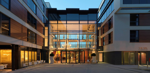 Harbar at Guildford Harbour Hotel Modern British in ...