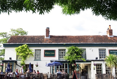 The White Lion, Yateley - Vintage Inns